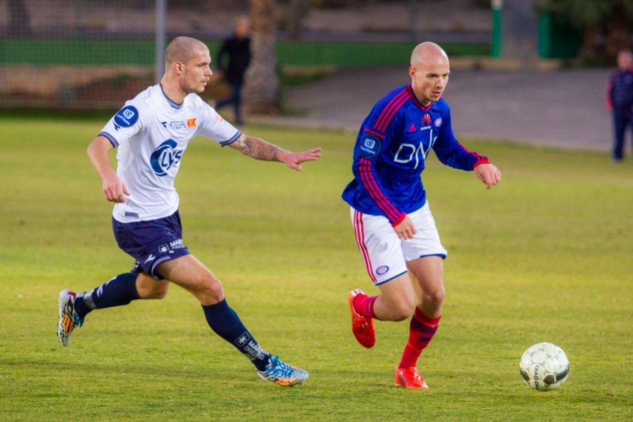Rubén Kristiänsen hinket av banen mot Viking. Her er han tidligere i kampen. Foto: grydis.no.