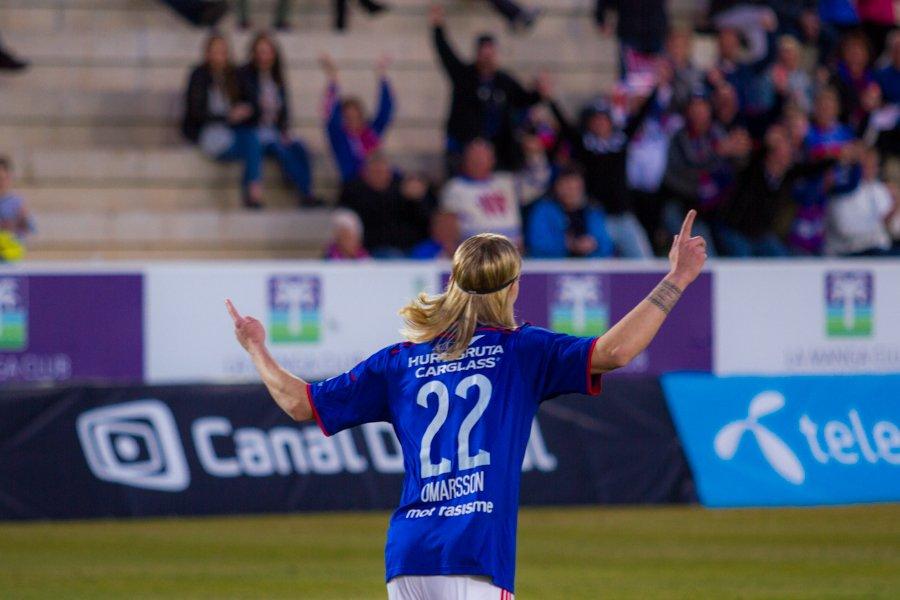 Elías Már Ómarsson jublet etter å ha scoret 1-0-målet mot Viking på La Manga. Foto: grydis.no.