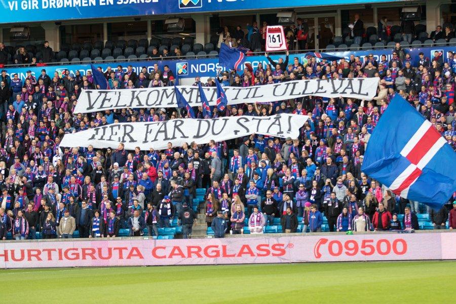 FK Haugesund kastet ut tre supportere i kampen mot RBK fordi de sto på tribunen. Klanen tilbød dem et alternativ. Foto: grydis.no