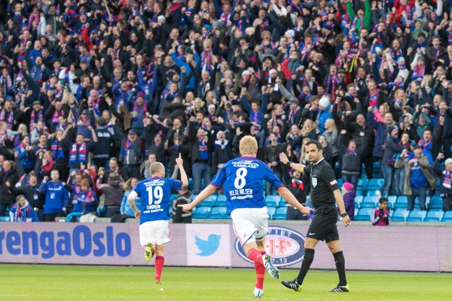 Christian Grindheim har akkurat gitt Vålerenga ledelsen 1-0 mot Strømsgodset. Foto: grydis.no