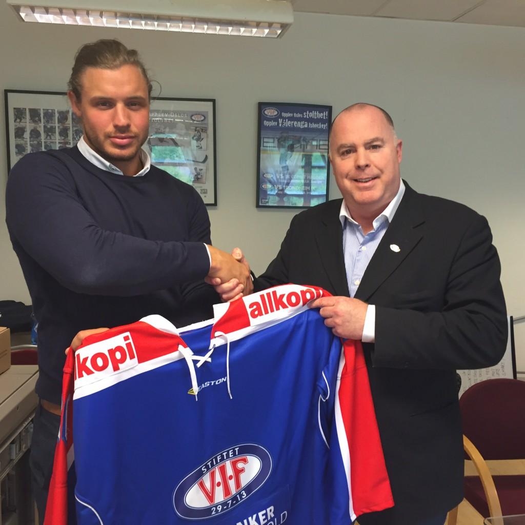 Laumann Ylven er tilbake på landslaget Foto: VIF Hockey