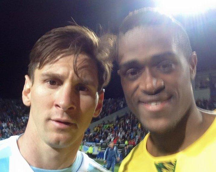 Det blir intet gjensyn for Brown og Messi i sommer. Foto: Deshorn Brown.