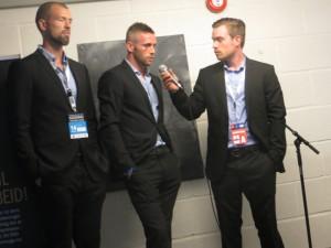 André Muri (lagt opp) og Kjetil Wæhler (suspendert) tok turen innom for en intervjurunde før kampen. Foto: FrankO/Aperopet.no