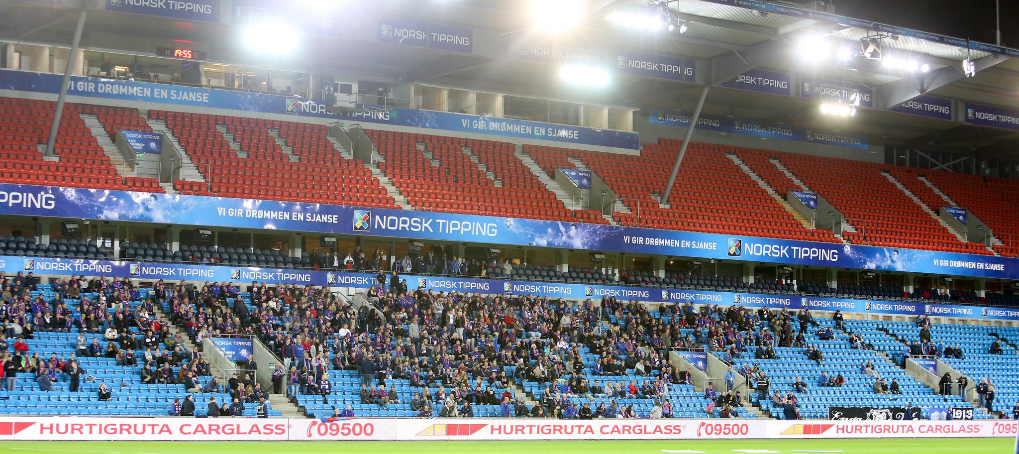 Bare 8.308 tilskuere hadde løst billett mot Start. Lang færre møtte faktisk opp. Foto: Eivind Hauger.