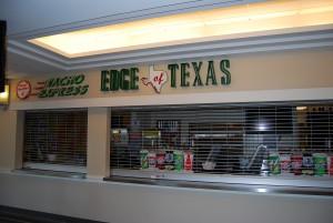 Hver kiosk har stort utvalg og mange kasser. Her fra Cowboys Stadium i Arlington, Texas. Foto: FrankO