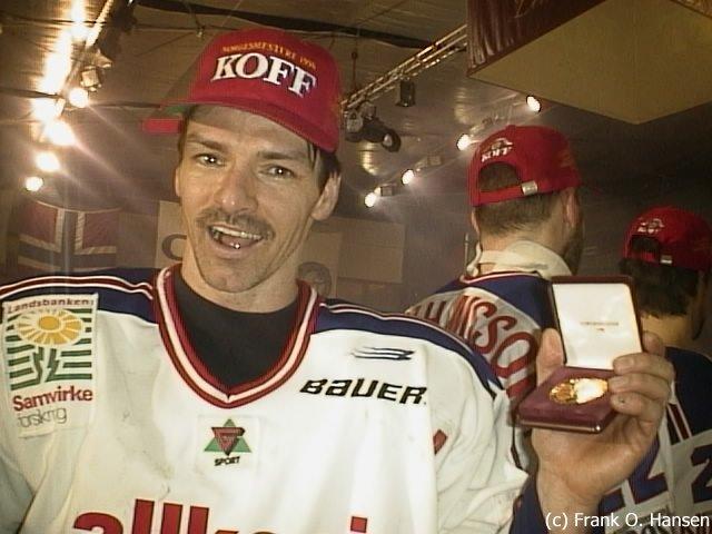 Serge Boisvert feirer NM-gull.
