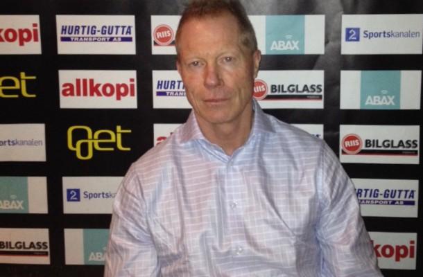 Roy Johansen var faktisk veldig blid på onsdagens pressekonferanse. Foto: vif-hockey.no.