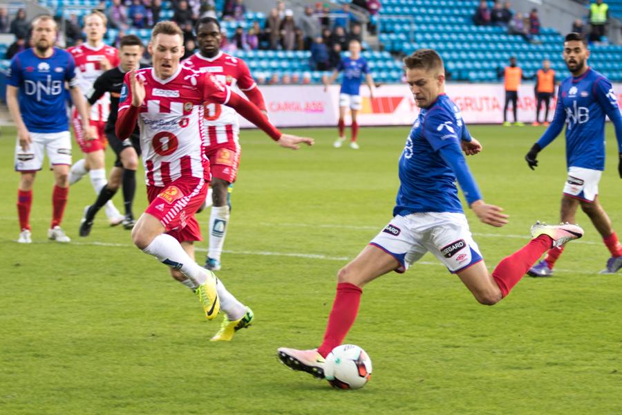Rasmus Lindkvist fastsetter sluttresultatet til 4-0. Foto: Grydis.no